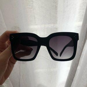 ❤️ Designer Inspired Black Oversized Sunglasses